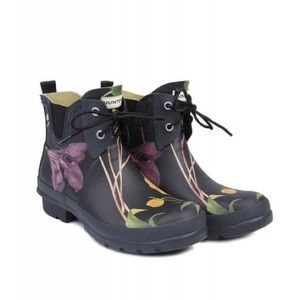 NWT Hunter RHS Floral Ankle Boots